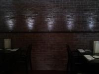 ziegelwand-im-restaurant-hamburg