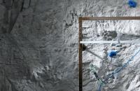kunstfelsenwand-ladenbau-grau