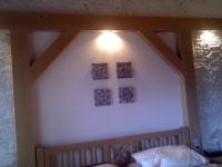 steinwand-im-schlafzimmer-modell-marsalla-stonepanel-of-gewena