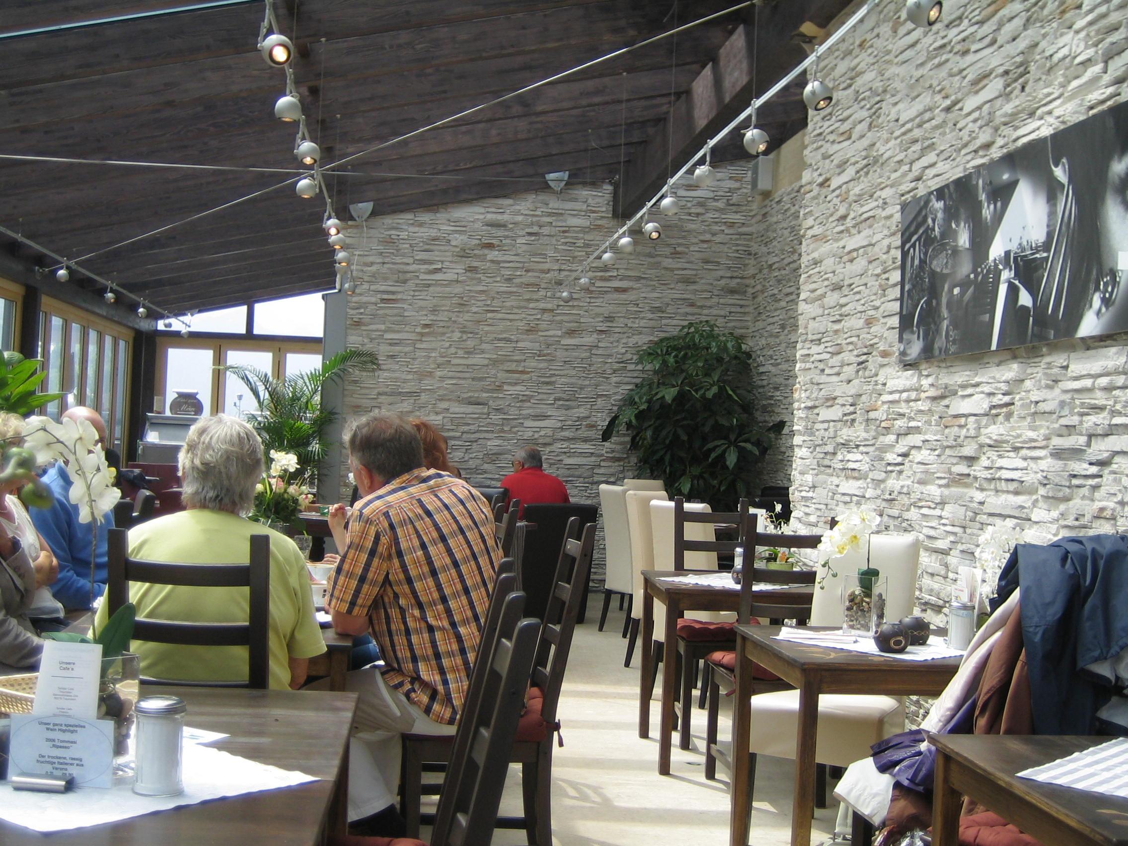 Hotelausbau creative gestaltung im hotelbereich ladenbau - Wohnzimmer bar traunstein ...