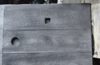 steinwand-beton-holz-nahaufnahme-4