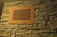 sauna-steinwand-mit-lueftung