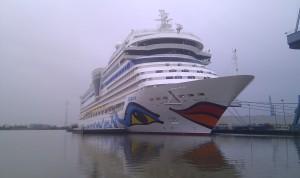 Aida eine  Schiffsflotte hier noch in der Werft in Papenburg.